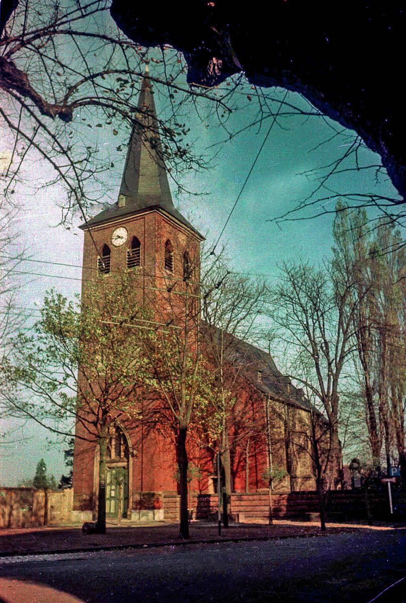 505_ev-kirche_unter-der-linde