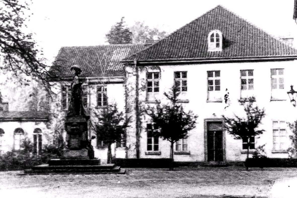 kastellplatz-27